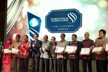 Indonesia Wins 2015 World Halal Travel Awards